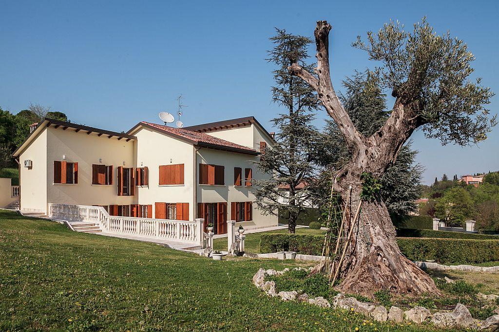 Via del Meloncello,Bologna Ovest,5 Stanze Stanze,Residenziale,1131