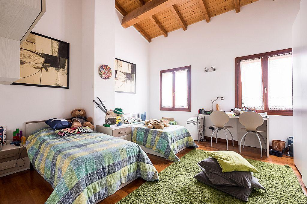 Via Lelli,Fuori Bologna,16 Rooms Rooms,Residenziale,1158