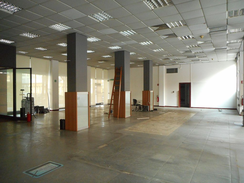 Piazza Azzarita,Centro Nord,4 Rooms Rooms,Commerciale,1164