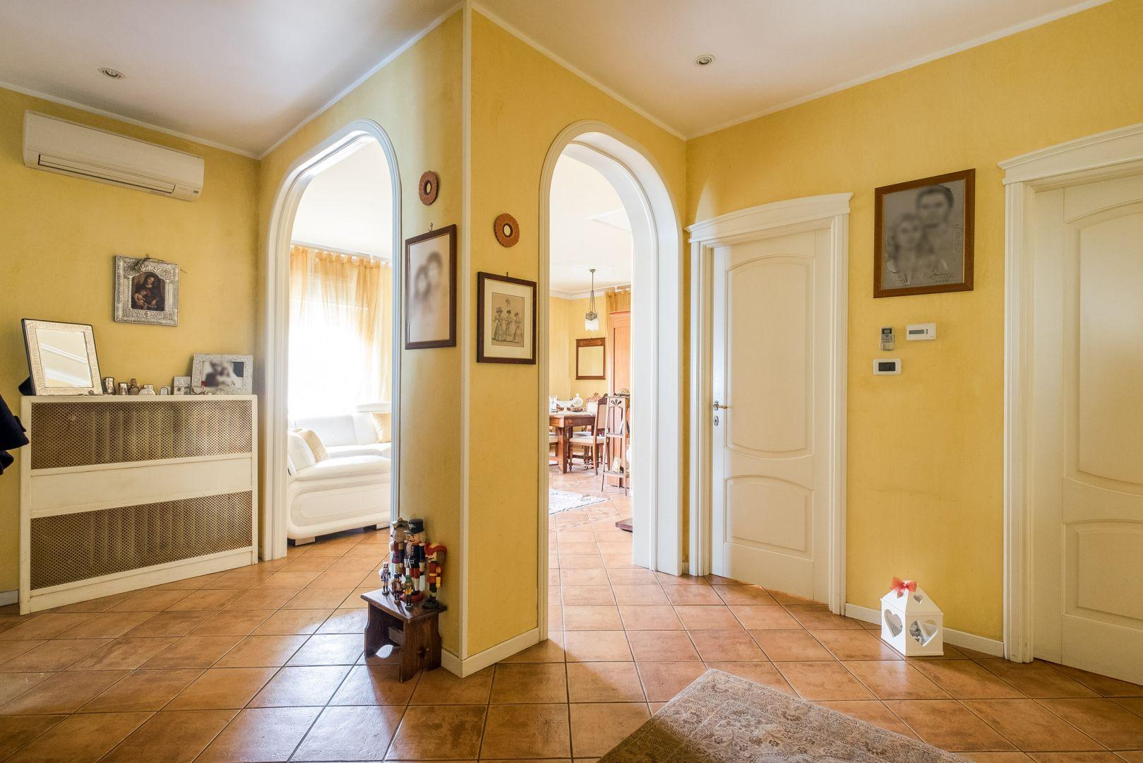 Via Pizzardi,Bologna Est,6 Rooms Rooms,Residenziale,1205