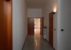 Via del Muratore,Bologna Est,10 Rooms Rooms,Commerciale,1258