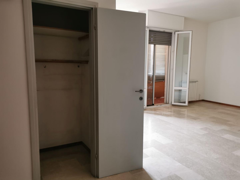 Via Minarini,Fuori Bologna,5 Rooms Rooms,Residenziale,1298