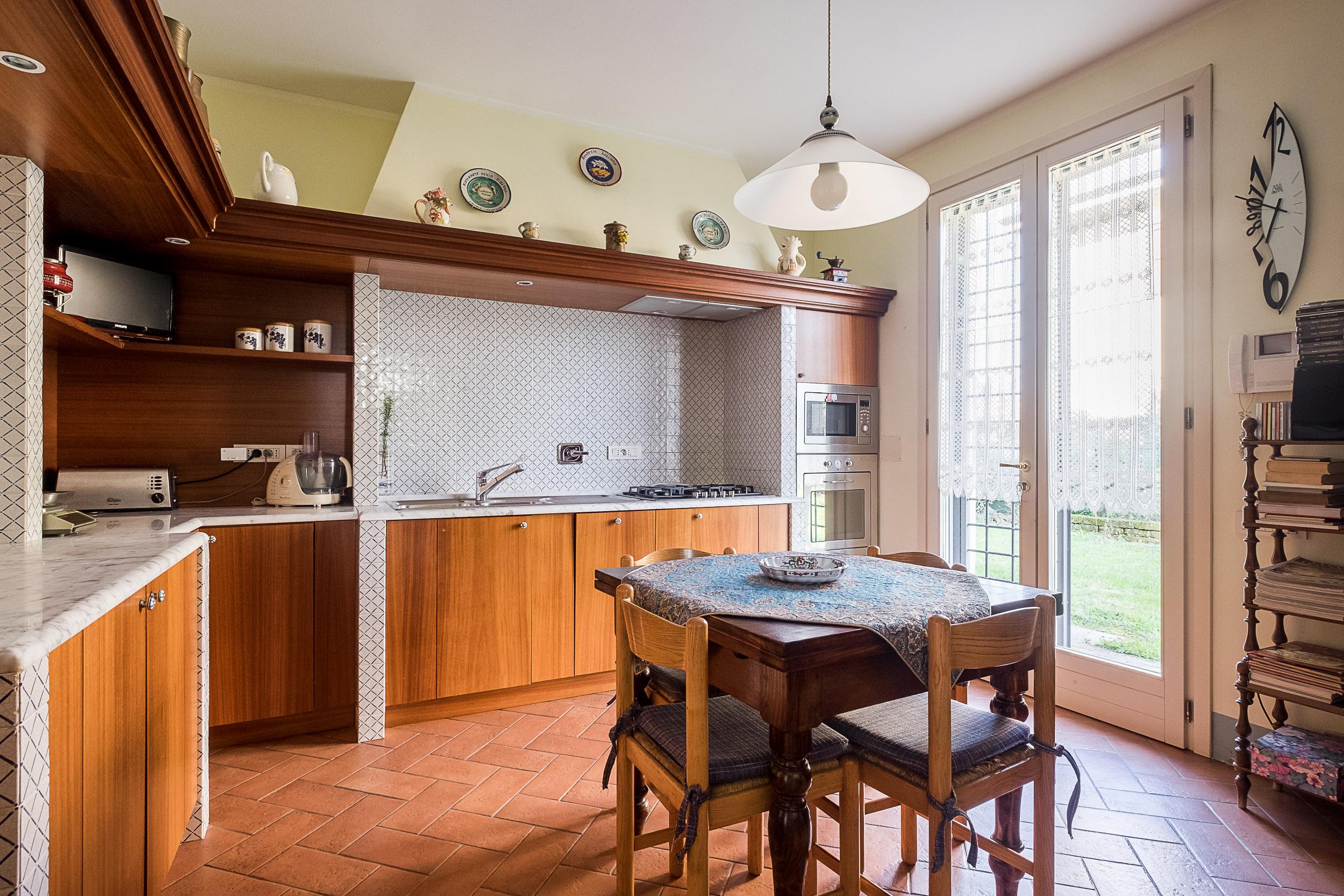 Via Marano,Fuori Bologna,8 Rooms Rooms,Residenziale,1059